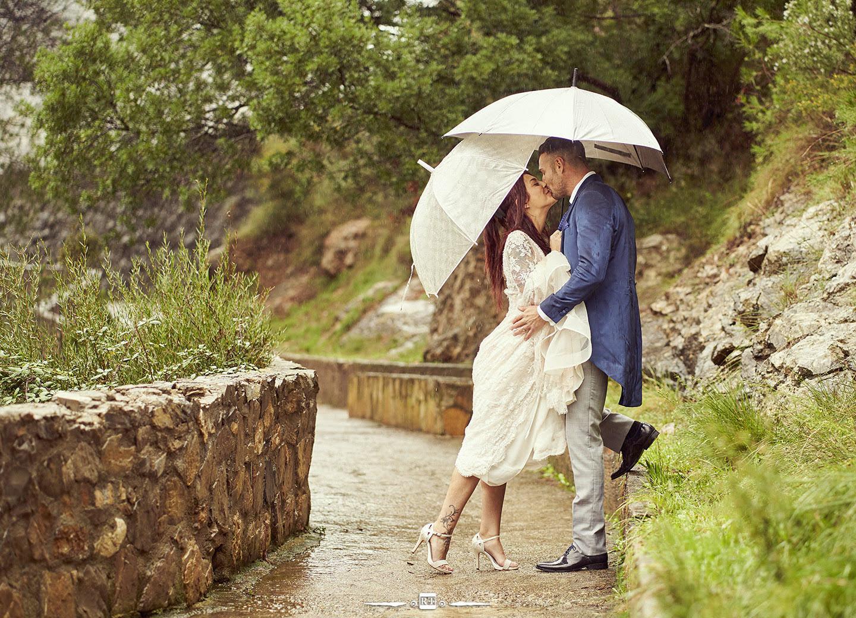 Sesiones postboda bajo la lluvia